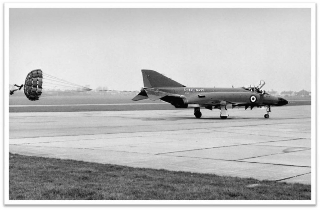 Phantom XT596 lands at Filton – 1971 Bristol