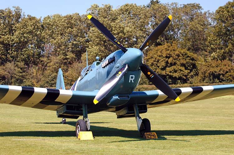 ww2 spitfire plane